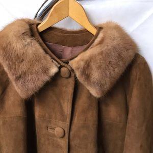 Beautiful nice weight suede 3/4 length coat.